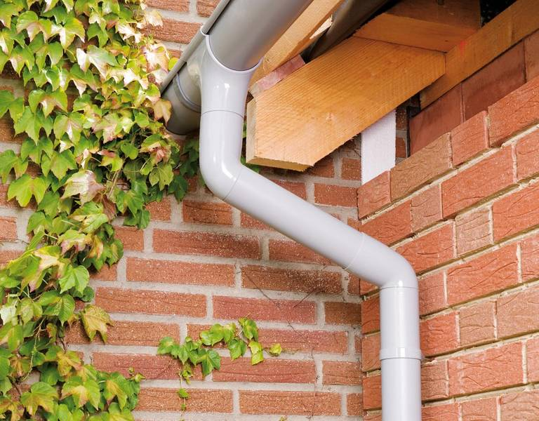 How To Install Vinyl Gutters On A House Yourself